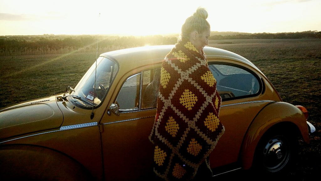 A VOLKSWAGEN BEETLE & a SUNSET in DRYSDALE 9