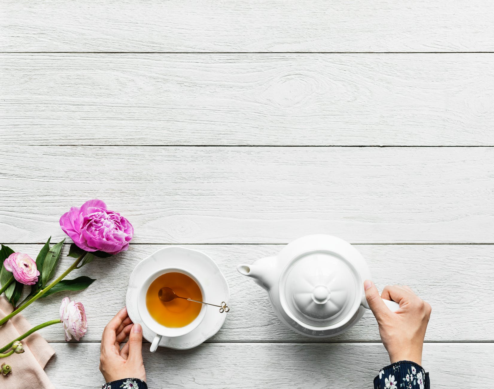 Keep Calm & Drink Tea / 3 Ways That Tea Calms Your Nerves | Style & Life by Susana
